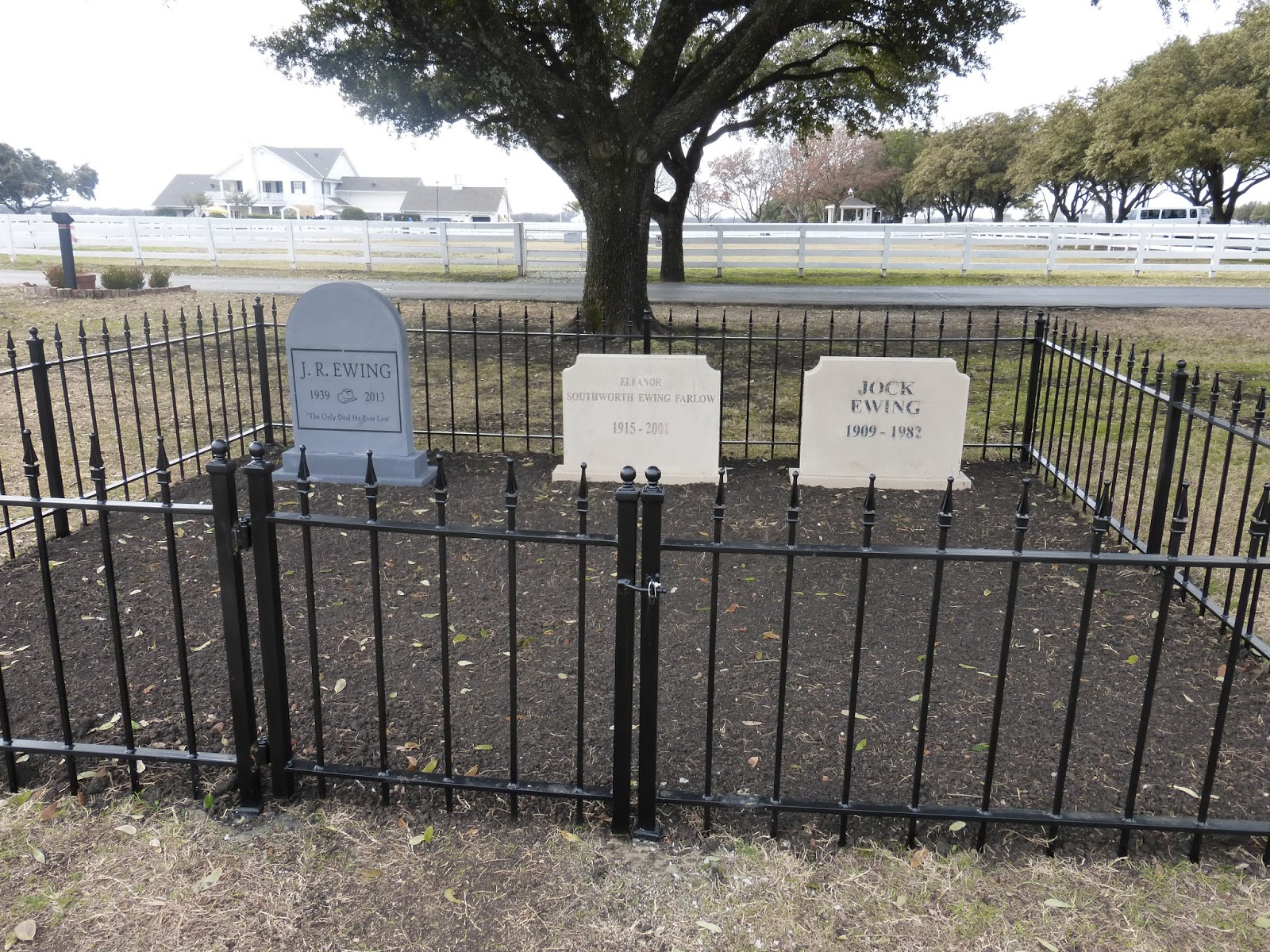 Southfork Ranch Dallas Larry Hagman Grave Www Pixshark Com Images Galleries